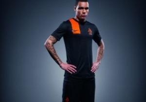 Фотогалерея: Оранжевый минимализм. Голландия представила форму, в которой сыграет на Евро-2012