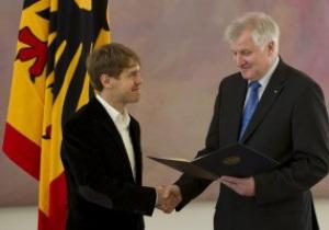 Феттель получил высшую спортивную награду Германии