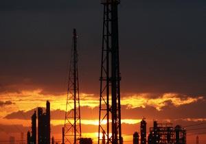 ТНК-BP зупиняє постачання нафти на Лисичанський НПЗ через збитковість виробництва
