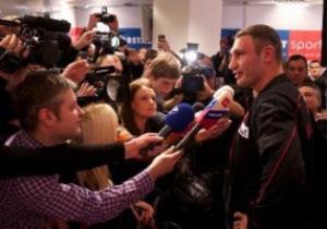 Промоутер Поветкина о Кличко: Идет драка между двумя супертяжами и десятью телохранителями, а он смеется