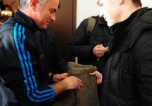 Моуриньо подарили валенки накануне матча с ЦСКА