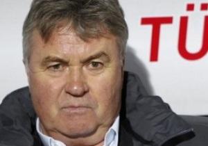 СМИ: Анжи может перехватить Хиддинка у Челси