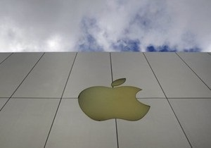 Азиатские заводы Apple проверяют на условия труда