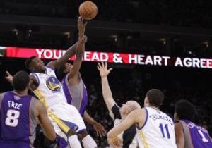NBA: 28 очков и 12 подборов Ли помогли Голден Стэйт обыграть Финикс