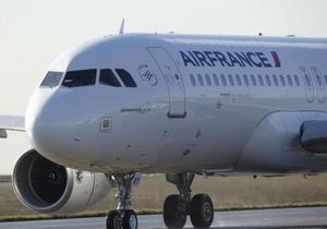 Air France отменила почти 40% рейсов из-за продолжающейся забастовки пилотов