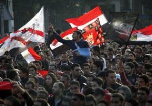 В Египте продолжаются столкновения фанатов с полицией: трое убитых, тысячи раненных