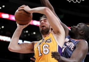 NBA: Лейкерс разгромили Шарлотт с разницей в 33 очка