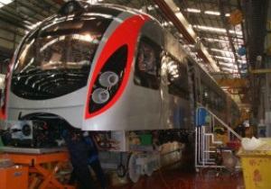 Первый экспресс-поезд Hyundai уже плывет в Украину