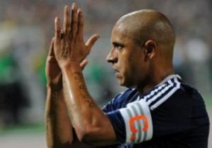 В Анжи опровергли информацию о том, что Роберто Карлос решил завершить карьеру