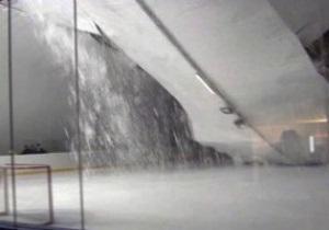 В Словакии во время тренировки детей рухнула крыша ледового стадиона