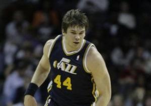 Украинец Фесенко проведет следующий сезон в Golden State Warriors