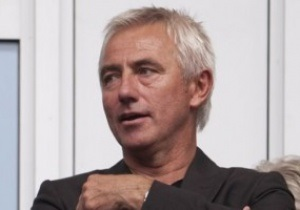 Наставник сборной Голландии продлил контракт с федерацией до 2016 года