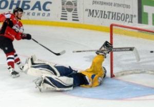 ВХЛ: ХК Донбасс отыгрывает три шайбы и побеждает ХК Дизель в серии буллитов