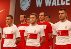 Президент Польши возмущен тем, что на новой форме сборной отсутствует герб страны