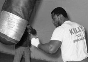 Кличко соболезнует: Фрейзер - целая эпоха в истории бокса