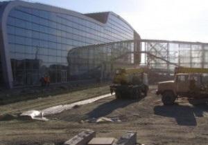 Евро-2012: Янукович проинспектировал аэропорт Львова