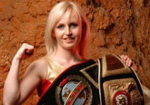 Экс-чемпионка мира рассказала, как сбивала братьев Кличко и нокаутировала Вирчиса