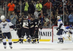 NHL: Anaheim Ducks справились с St. Louis Blues