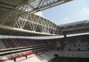 Перед матчем Турция - Азербайджан на стадионе в Стамбуле обвалилась часть крыши