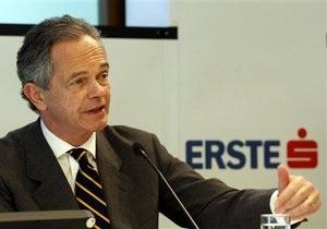 Один из крупнейших банков Восточной Европы ожидает годовой убыток в 700-800 млн евро