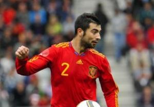 AS: Игрок Барселоны сломал скулу защитнику Реала