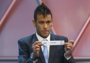 Роберто Карлос: В отличие от Реала и Барселоны Анжи готов заплатить отступные за Неймара