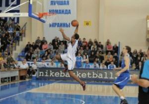 Баскетбол: Азовмаш пробился в основной раунд Еврокубка