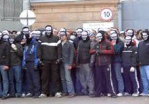 Фанаты Спартака напали на автобус с болельщиками Зенита