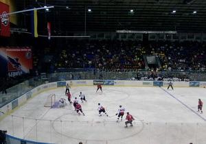 Большой хоккей в киевском Дворце спорта: Донбасс в драматичном матче обыграл Беркут