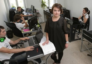 Корреспондент: Деньги возвращаются. Зарплаты в корпоративном секторе Украины начали расти