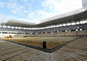 На стадионе к Евро-2012 во Львове протестирована система полива газона