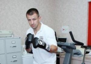 Адамек определился с экипировкой на бой с Кличко