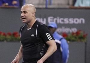 Глава WTA и Агасси введены в Зал славы