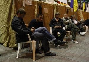 Из-за митингов у здания Печерского суда расположенные неподалеку магазины терпят убытки