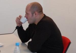 Тренер Емельяненко: Неудачи Федора - результат сверхнагрузок. Его рвут на части