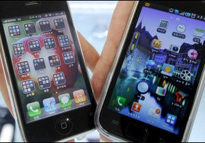 Дослідження: 60% британських підлітків і третина дорослих британців залежні від смартфонів