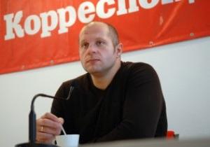 Рефери последнего боя Емельяненко рассказал, почему досрочно остановил поединок
