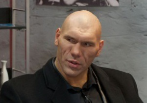 Валуев считает, что побить Кличко по силам лишь Поветкину и Фьюри