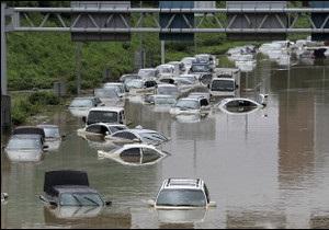 Близько 70 людей загинули через повені в Південній Кореї
