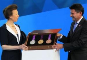 Фотогалерея: Золото побед. В Лондоне представили медали Олимпиады-2012