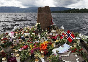 Норвезька поліція називає імена жертв Брейвіка