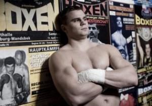 Российский боксер заявил, что братья Кличко унизили тяжелый вес