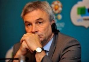 Директор UEFA: Украинская милиция должна встречать фанатов улыбками