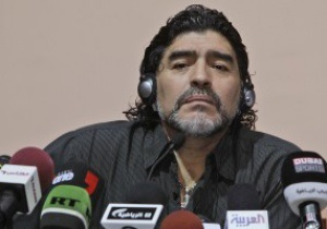 Марадона считает, что тренер сборной Аргентины должен уйти в отставку