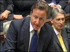 Британський медіа-скандал: тиск на Камерона та Мердока посилюється
