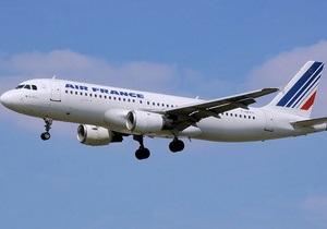 Авиакомпания Air France попросит пассажиров убирать за собой мусор
