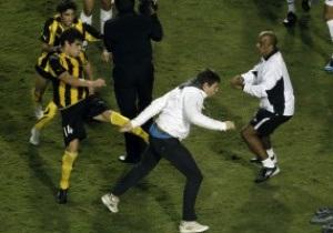 Фотогалерея: Бойцовский клуб. Финал Кубка Либертадорес закончился масштабной дракой игроков