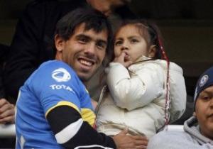 Агент: Тевес останется в Манчестер Сити, если к нему переедет семья