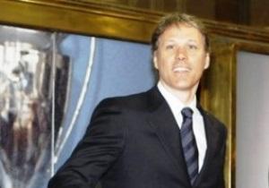 Ван Бастен ждет предложения от Челси