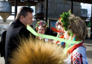 Янукович: Украина в этом году достроит всю необходимую для Евро-2012 инфраструктуру